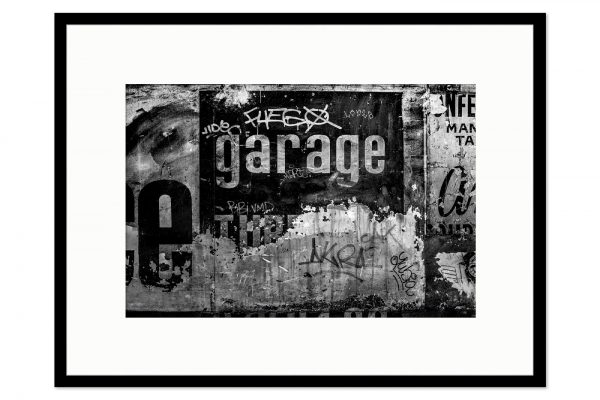 Gallery frame Garage