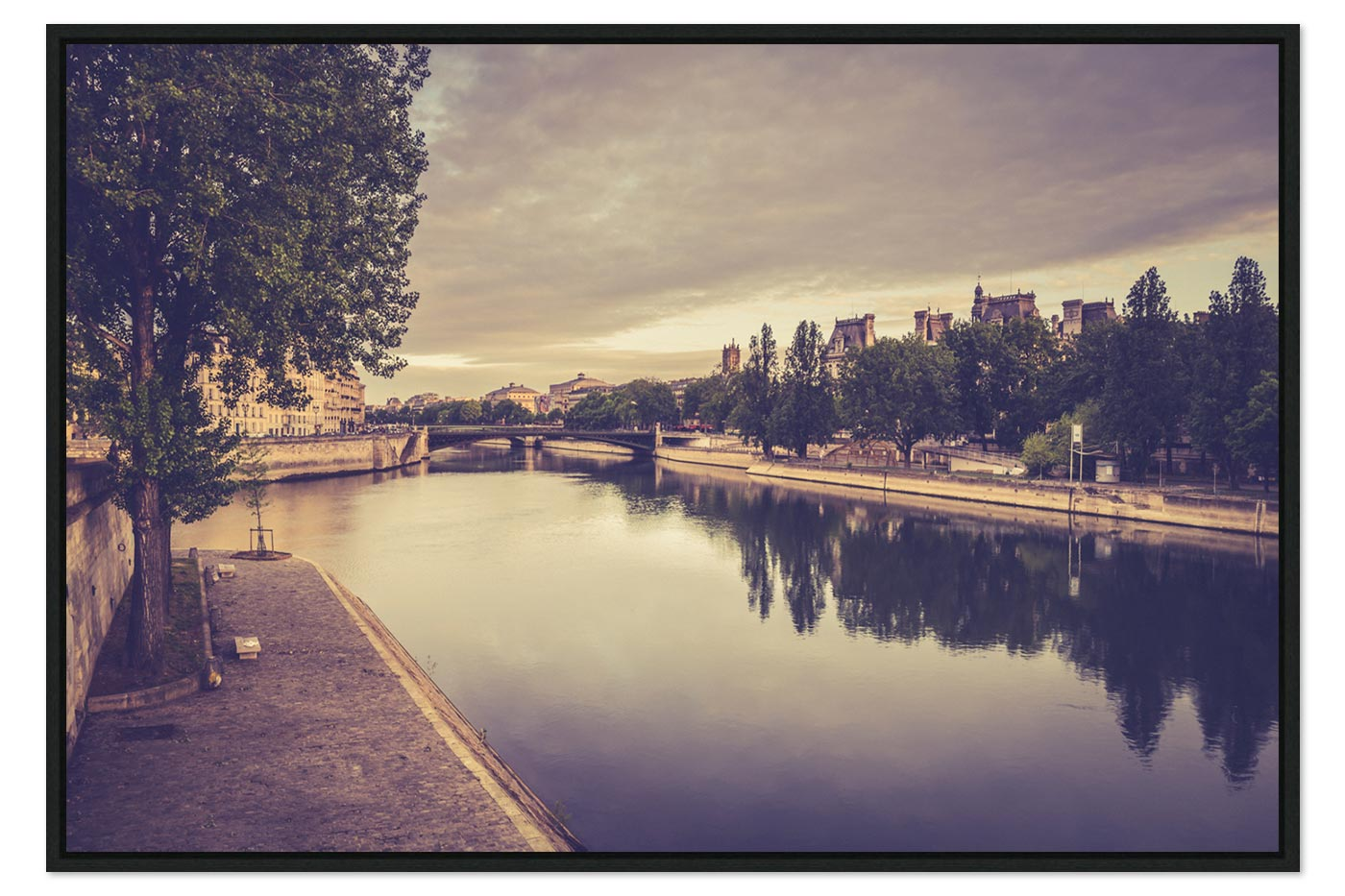 Caisse americaine Paris 7H10