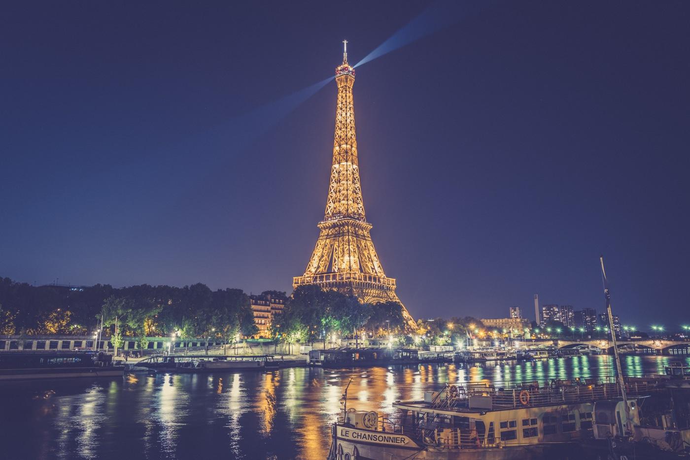 Paris 22H46