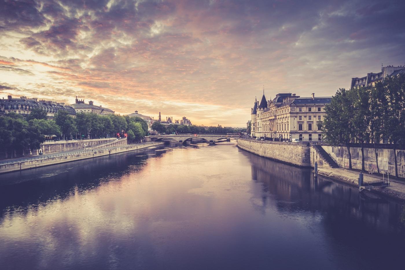 Paris 6H24
